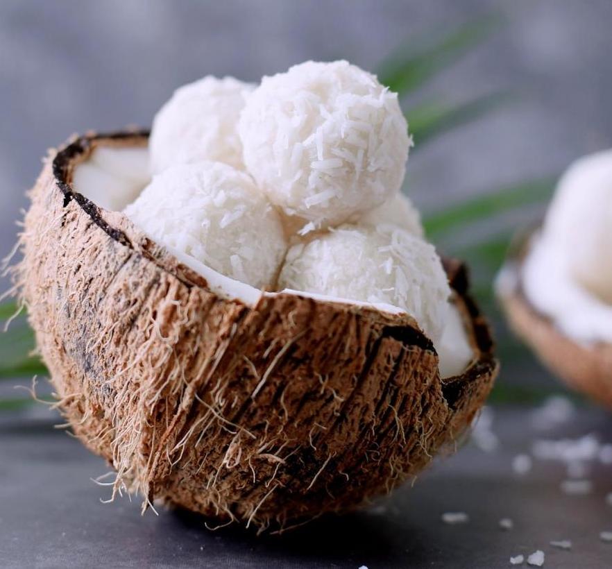 Кокосовые шарики: два самых вкусных рецепта
