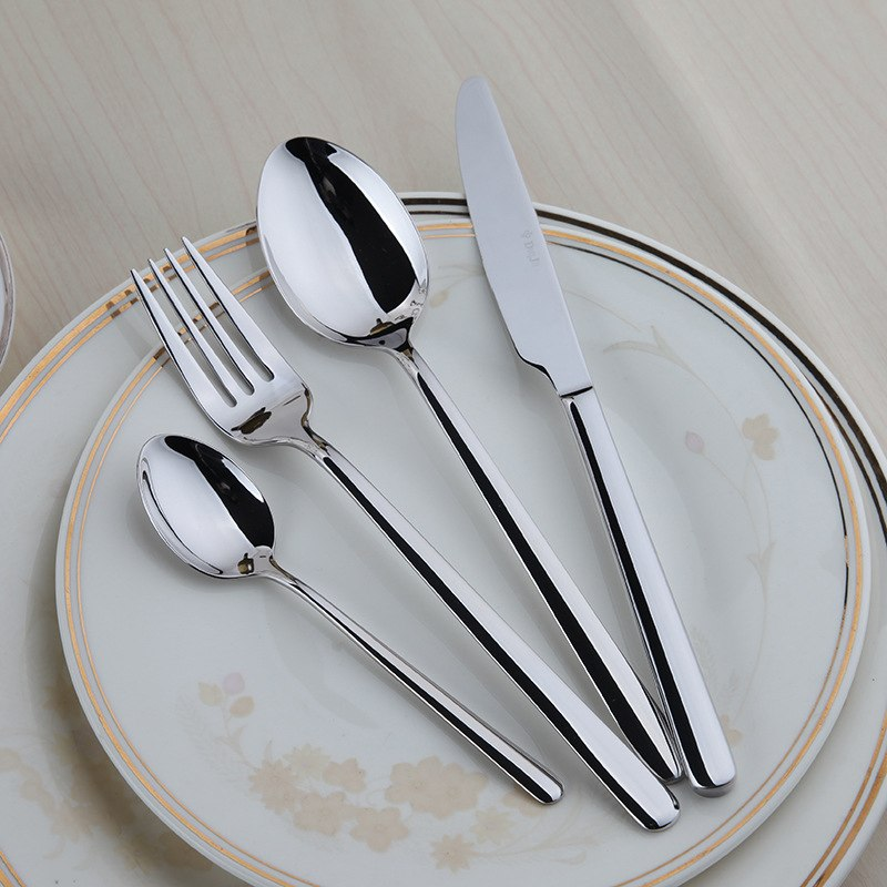 Cleaning cutlery from cupronickel