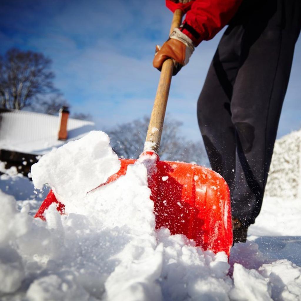 предлагаю чистит снег картинка устал что мужчины