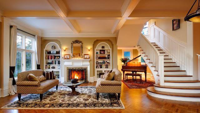 гостиная в стиле кантри в деревянном доме