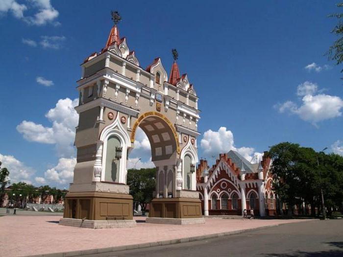 Памятник с ангелом Благовещенск, Амурская обл. Мемориальный одиночный комплекс с крестом Ядрин