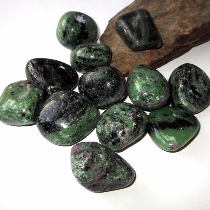 Цоизит камень