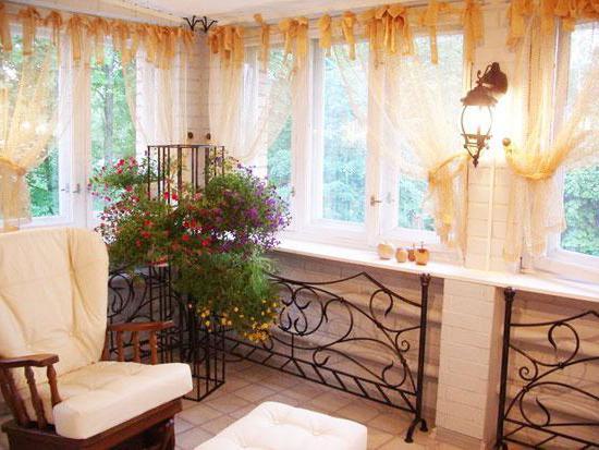 шторы на кухню с лоджией