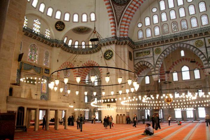 где находится дворец султана сулеймана