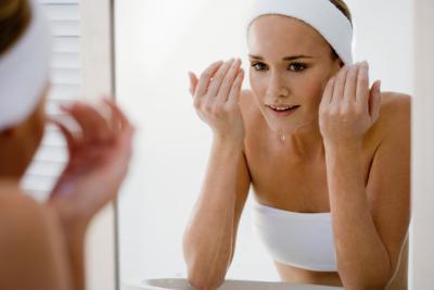 Как сузить поры на лице? Самые действенные советы!