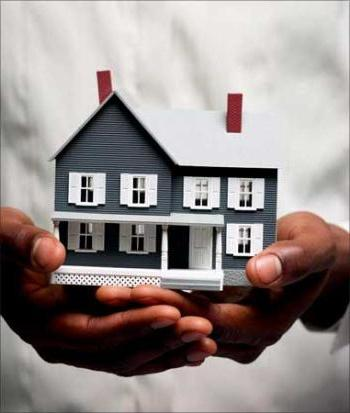 Продали недвижимость: подавать ли декларацию о доходах?
