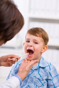Лечение аденоидов у детей без операции. Основные аспекты