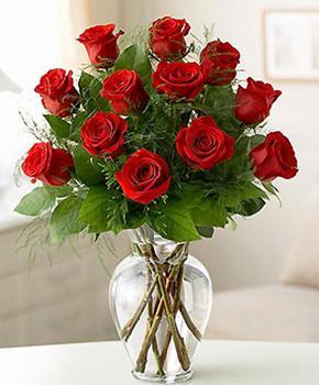 Как сохранить букет роз в вазе дольше