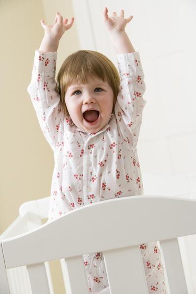 Как приучить ребенка спать в своей кроватке. Несколько советов