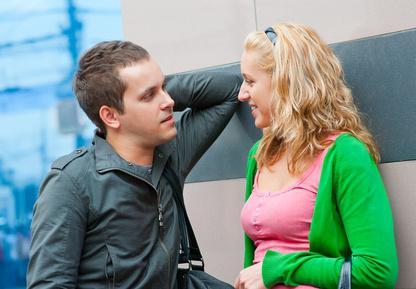 Как нужно разговаривать с девушкой