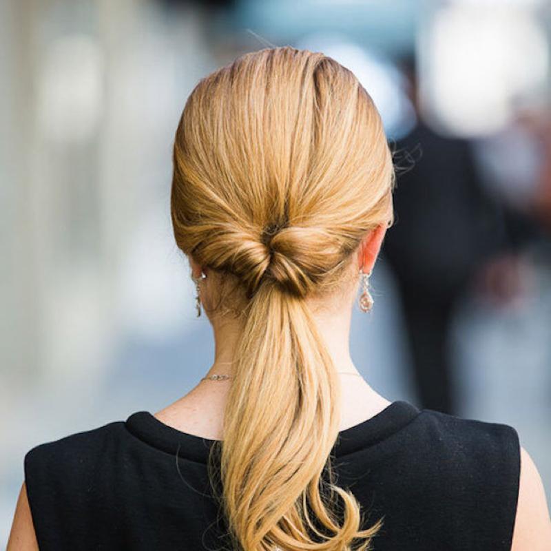 строгая прическа на длинные волосы фото армия
