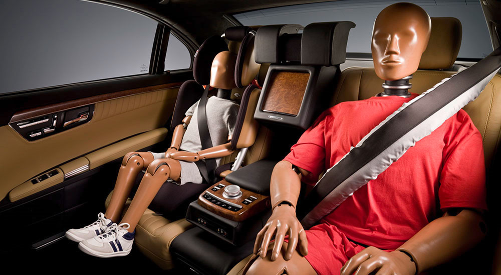 сколько в авто подушек безопасности