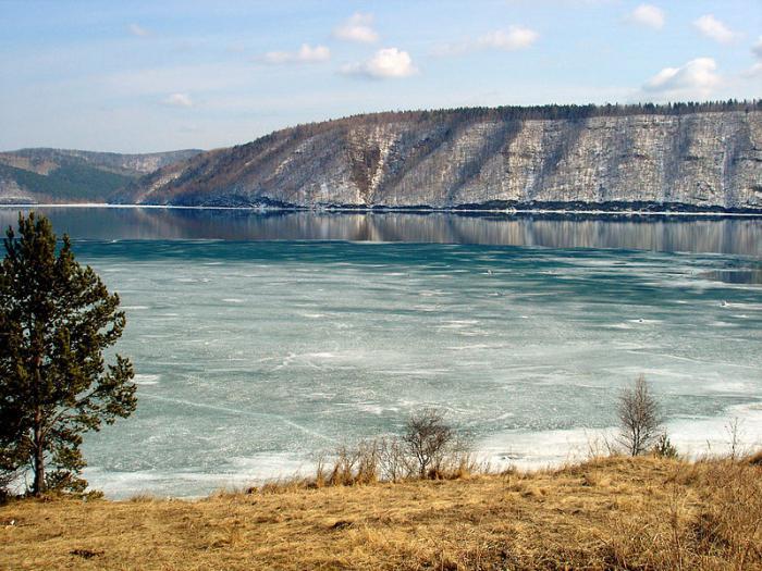 Место истока реки Енисея