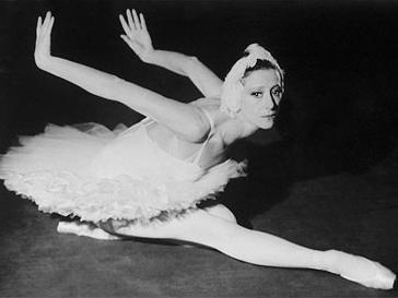 сюжет балета лебединое озеро