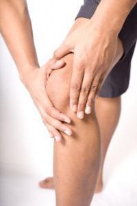 опухли колени артроз