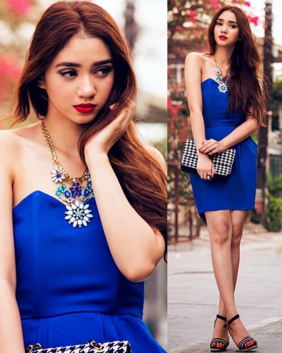 Браслеты к синему платью фото