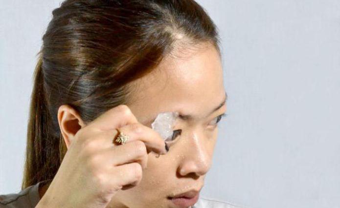 Как без боли выщипывать брови: маленькие хитрости