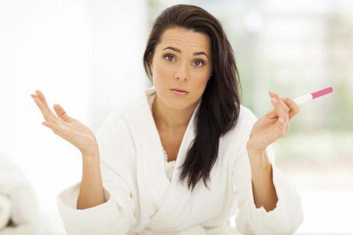 тест на беременность положительный а беременности нет причины