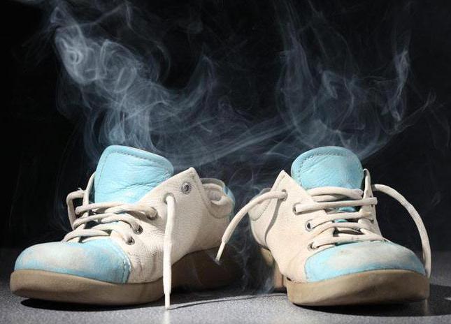 что делать если обувь воняет