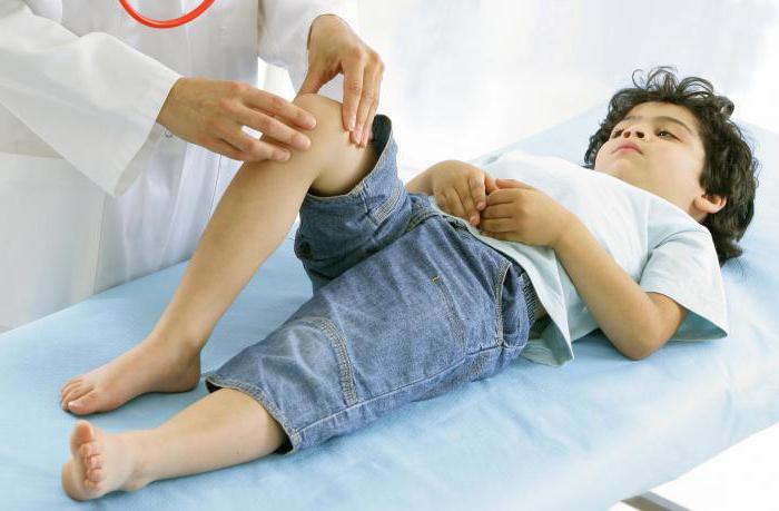 у ребенка болят колени что делать