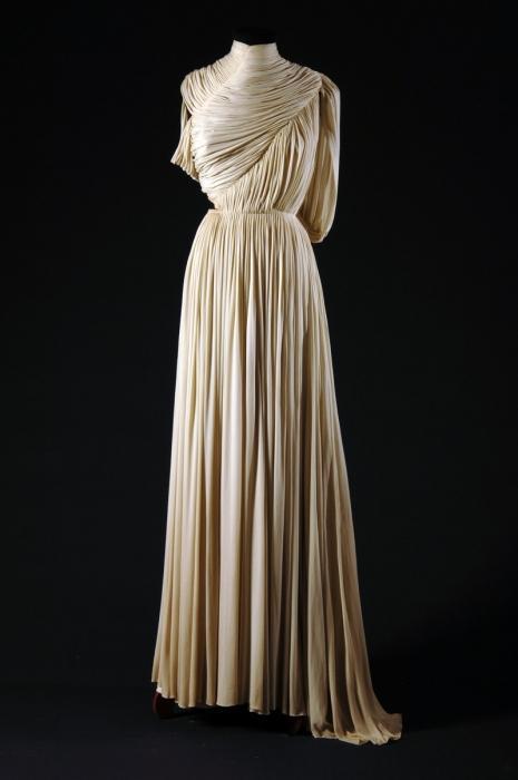 Как сделать платье не из ткани своими