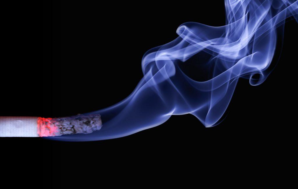 как никотин попадает к плоду