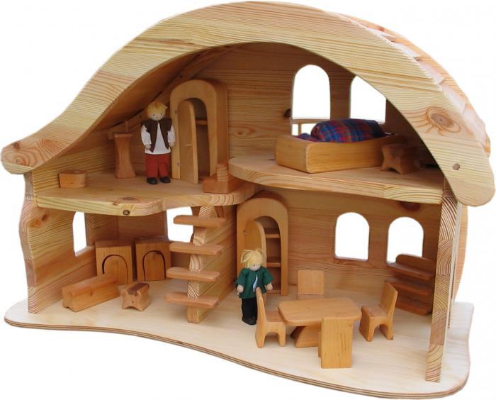 куклы и игрушки в доме