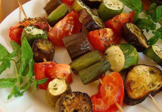 Минтай тушеный с овощами в сметане на сковороде рецепт с фото