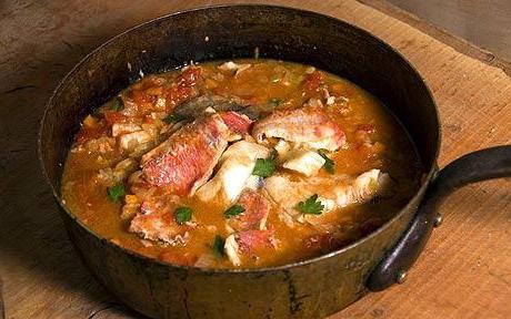 Как готовится уха из красноватой рыбы: рецепт с внедрением лососевого…