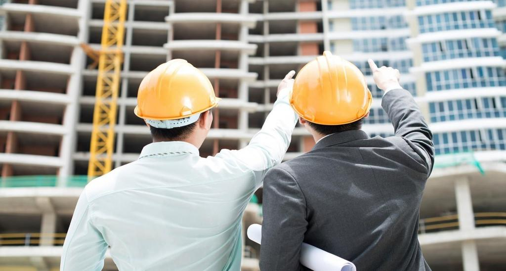 Работники на стройке