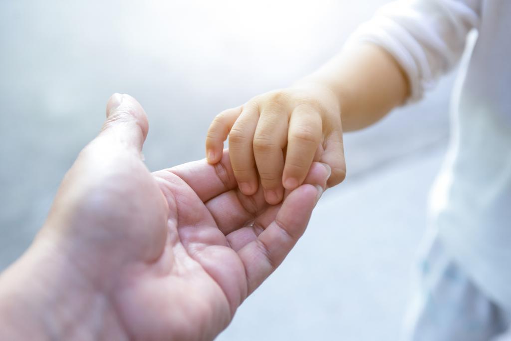 Отмена усыновления: основания, порядок, правовые последствия и советы юристов