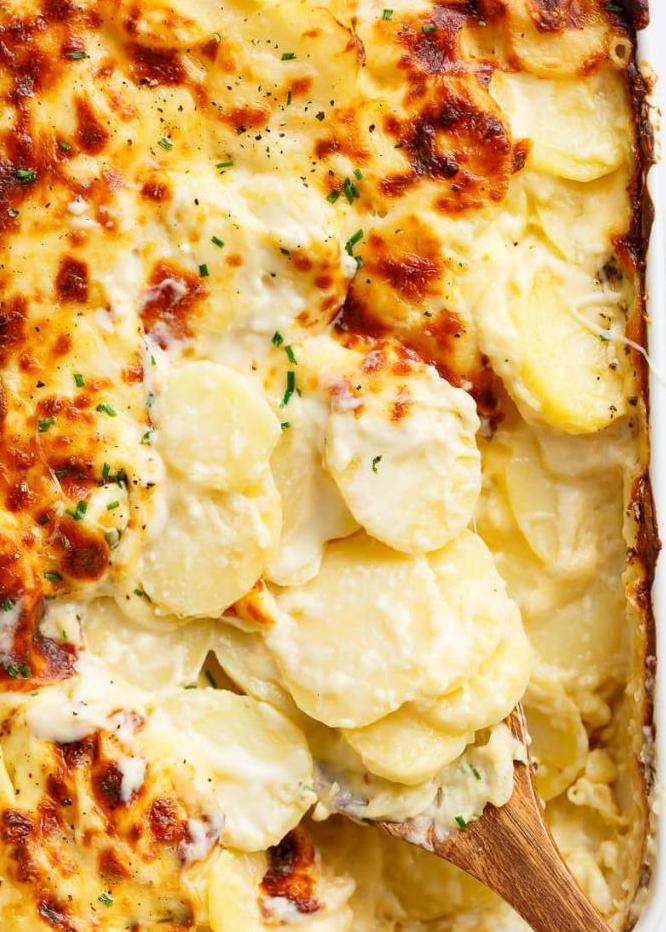 Картофель запеченный в молоке