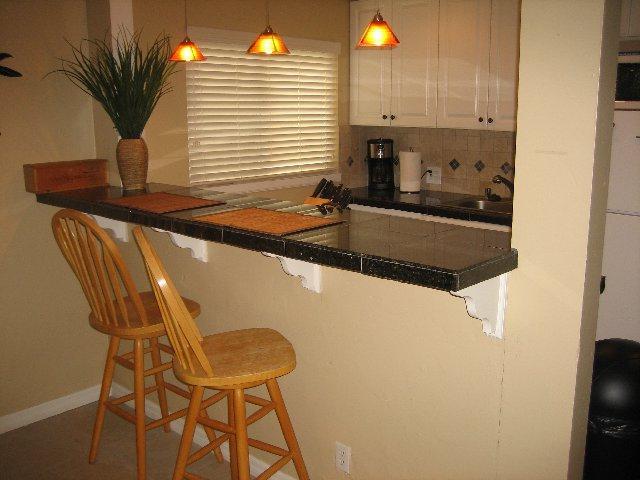 Современные кухни с барной стойкой - фото проекта дизайна ин.