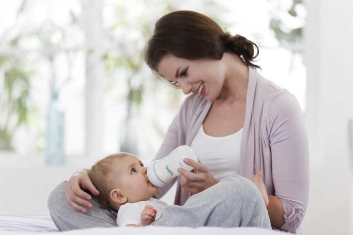 Почему икает грудной ребенок после кормления