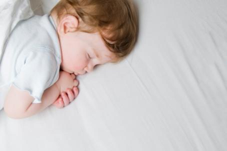 Потеют ноги у ребенка в 1 год