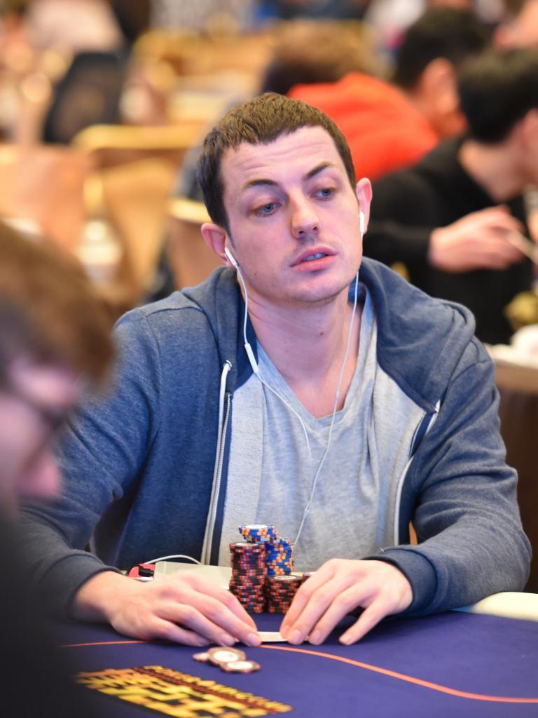 Биография профессионального игрока в покер Тома Двана