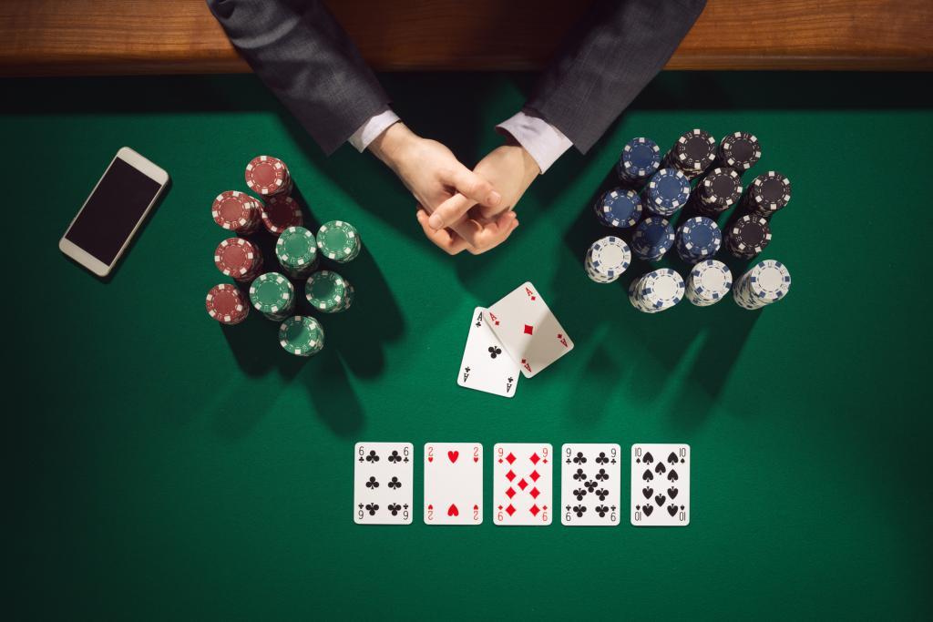 Учимся выигрывать в покер. Как правильно играть в покер: советы и секреты успешной игры