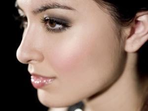Карандаш для бровей: как выбрать и правильно красить