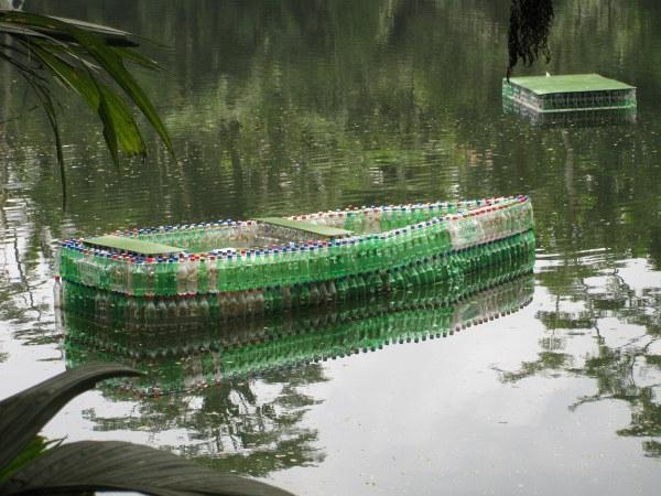 как сделать лодку из пластиковых бутылок пошагово