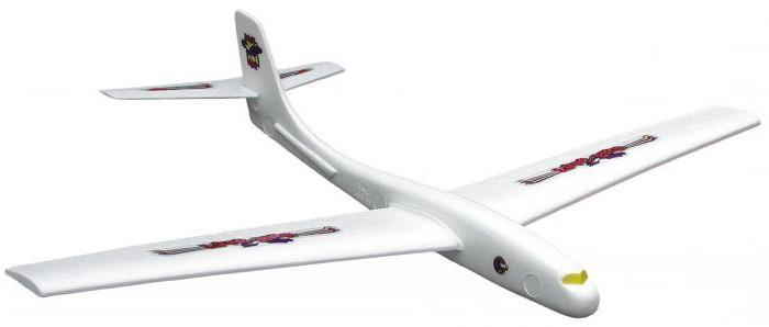 самолет из пенопласта