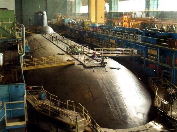 Самая большая подводная лодка обязана