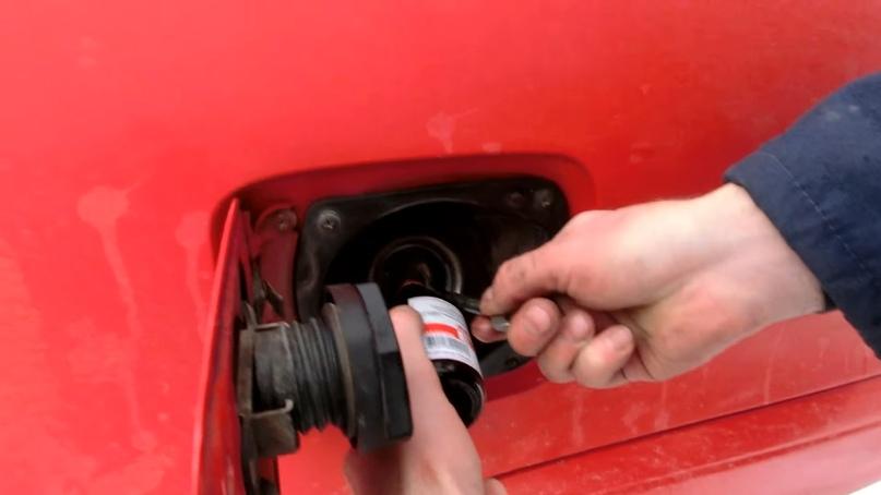 удалить воду из бензобака дизель
