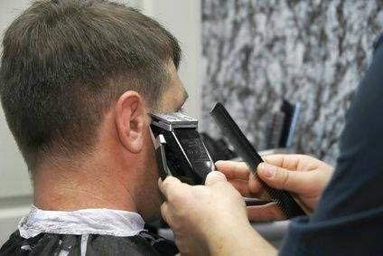 Можно ли машинкой стричь мокрые волосы