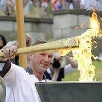 Где всегда зажигается факел олимпийского огня современных игр