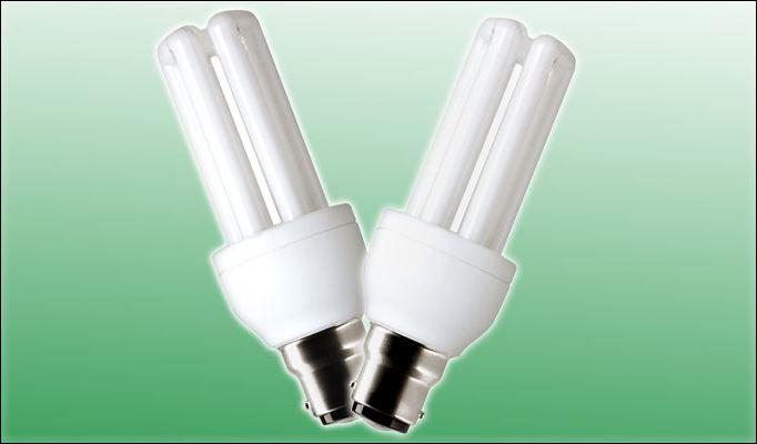 Почему энергосберегающая лампочка мигает?