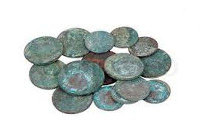 как очистить медные монеты от зелени