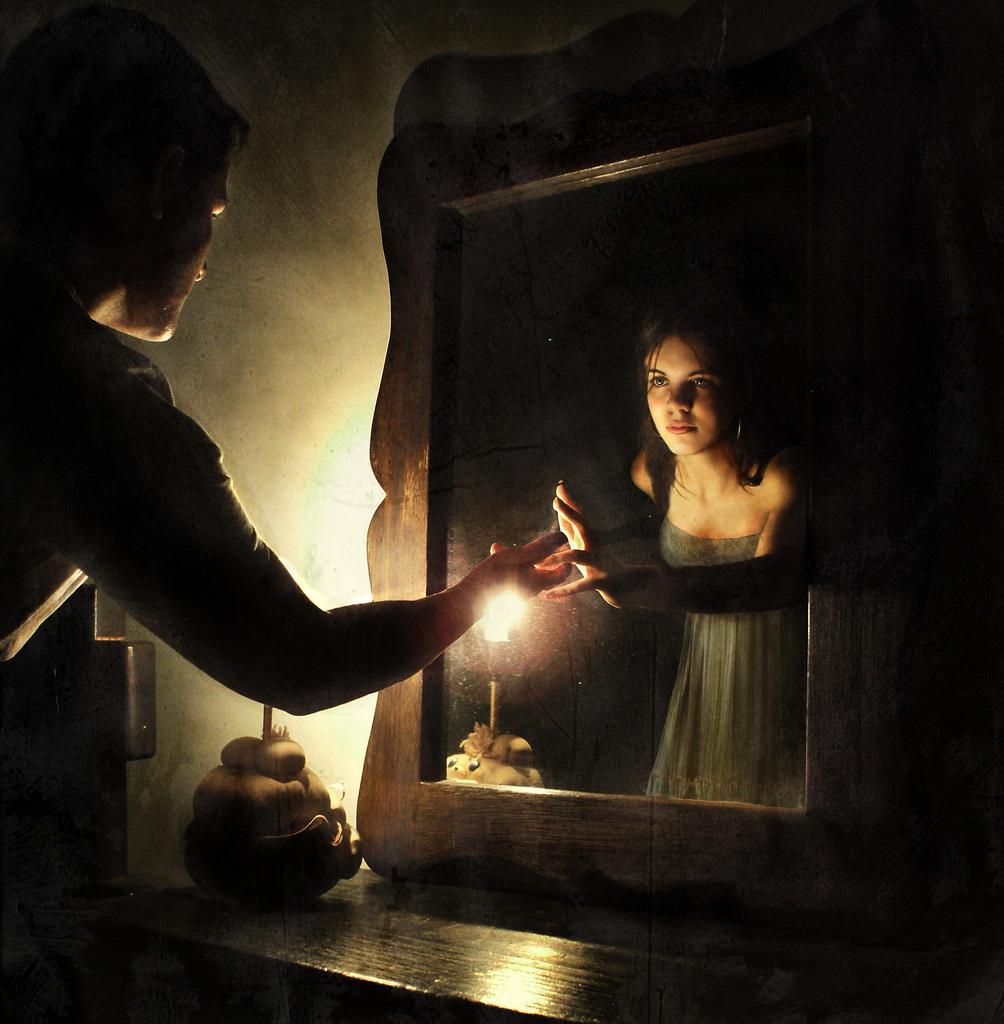 Подарить зеркало примета