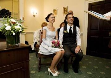 Свадьба является главным событием для многих влюбленных пар.