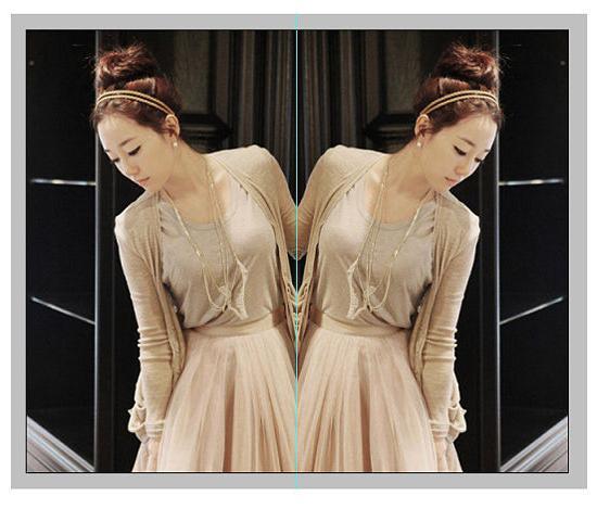 Как в Фотошопе сделать зеркальное отражение текста и фото: http://fb.ru/article/84398/kak-v-fotoshope-sdelat-zerkalnoe-otrajenie-teksta-i-foto
