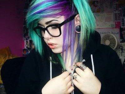 можно ли покрасить волосы гуашью